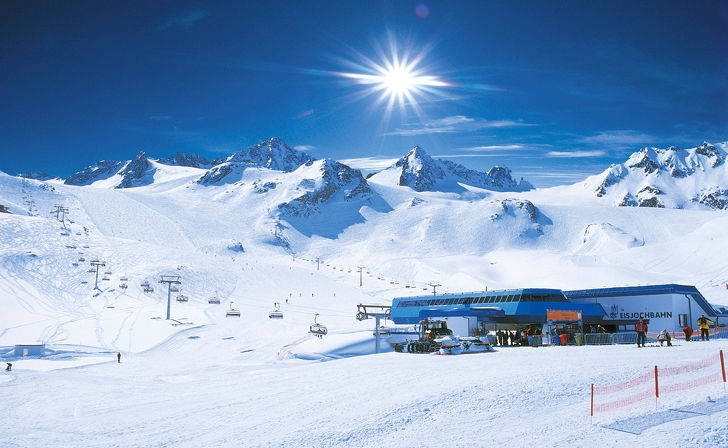 Winter holiday of a higher-class at the Stubai Glacier in Tyrol