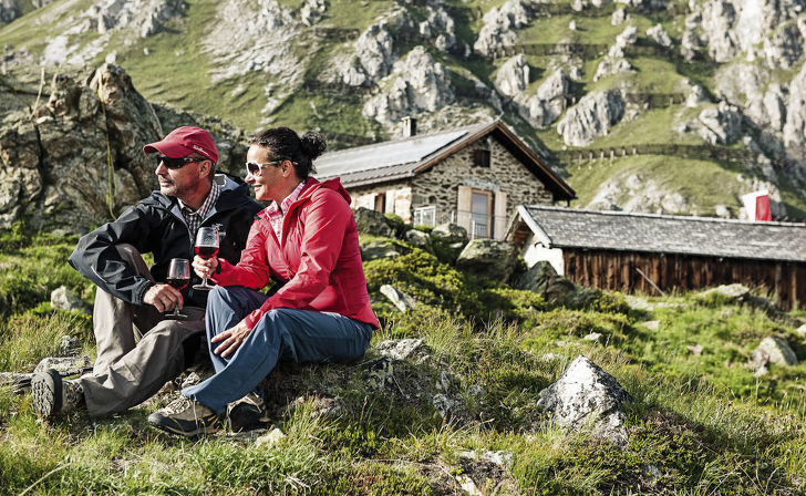 Hiking in the Stubai in the Tyrolean Alps - Your summer holiday in the Aktivhotel Bergcristall